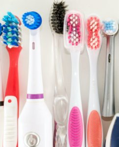 Bei der Zahnbürsten-Wahl kommt es auch auf Dein persönliches Empfinden an.